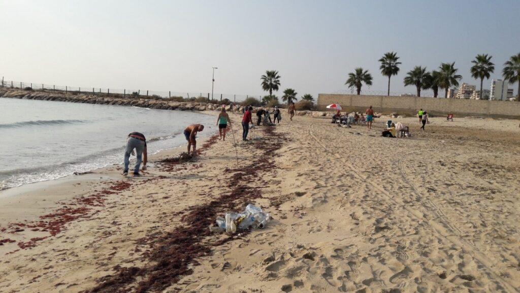 Beach litter activity in Tyre, Lebanon, November 2020 2